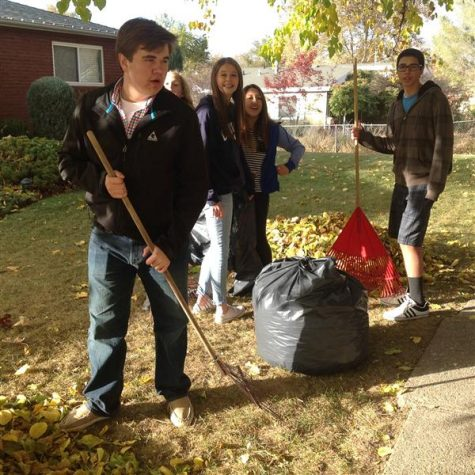 Key Club Serves the Community