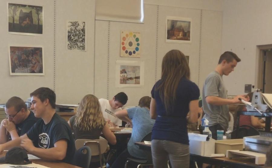 New+Teacher+Brings+New+Light+to+Art+Classes
