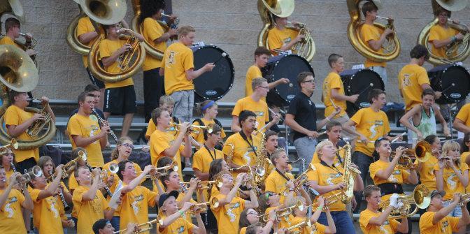 Marching+Band+sets+standards+for+Davis+High
