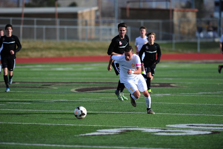 Boys+Soccer+Succeeds+as+a+Team