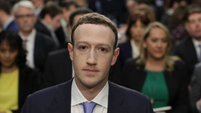 Mark+Zuckerberg+Faces+Criticism