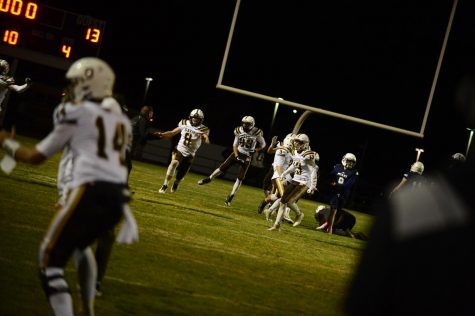 Davis Football secures playoff birth off the leg of Will Ferrin