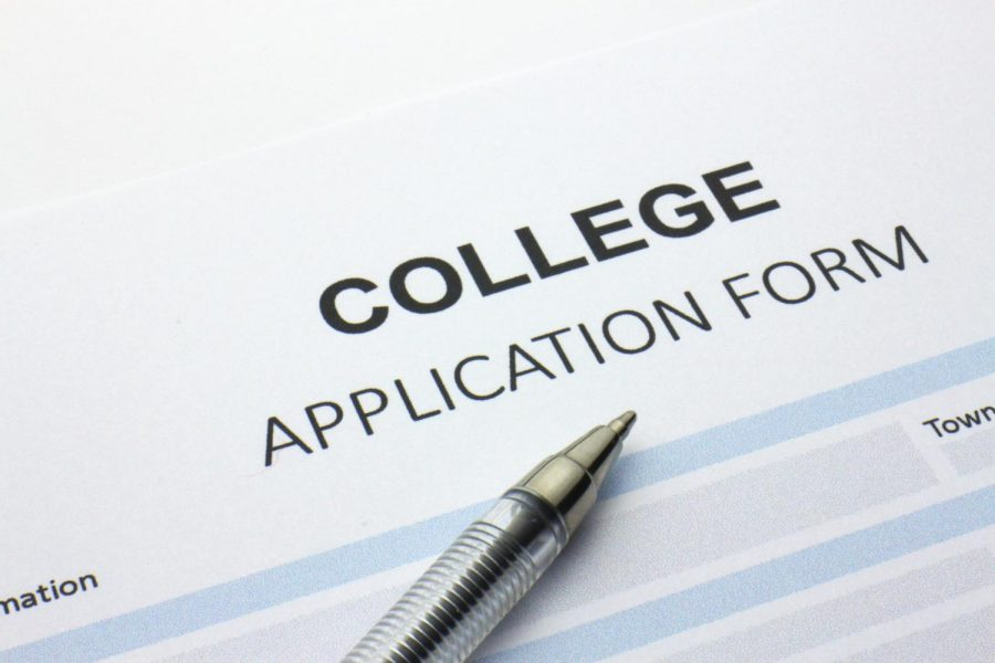 Applying+for+college+made+easy