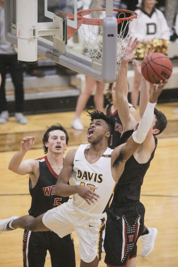 Davis Boys Basketball: Darts look to take down Silverwolves for a spot at the top of Region 1