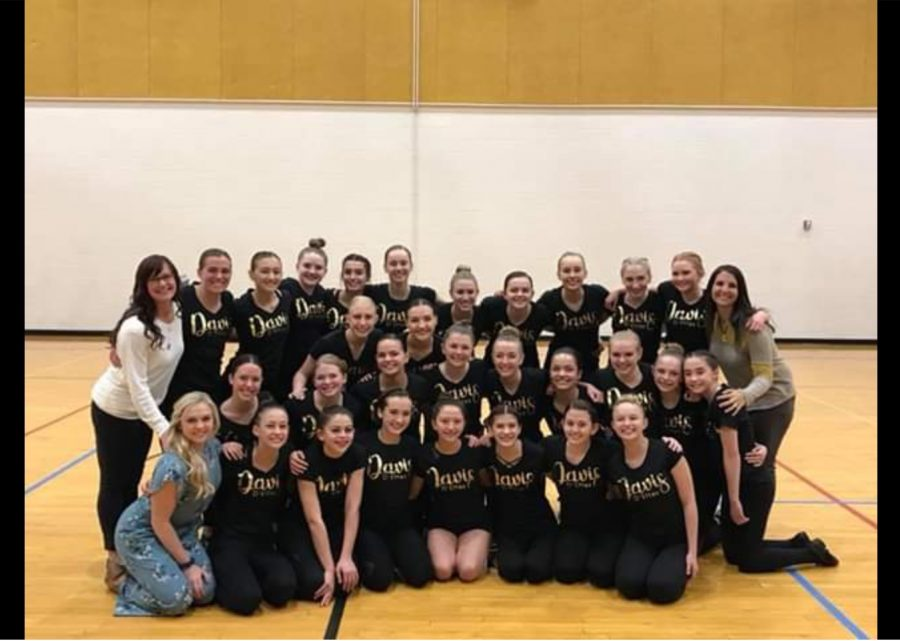 The D'ettes anticipate critical region competition