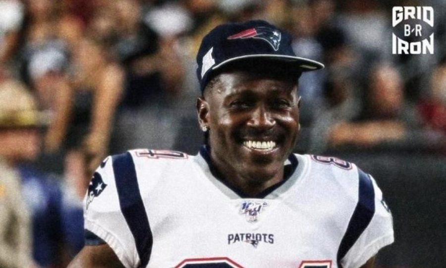 Photo+cred%3A+https%3A%2F%2Fwww.heraldandnews.com%2Fsports%2Fprofessional%2Fnfl%2Fpluck-rule-antonio-brown-heads-to-the-patriots-after-raiders%2Farticle_90f6a72a-bda4-5601-85eb-b17d40f51ef7.html+
