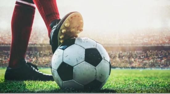 https://www.thevintagenews.com/2019/04/23/soccer/