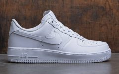 photo cred: http://www.baitme.com/nike-air-force-1-07-low-white-white-ni315122-111-100