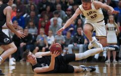 Boys Basketball clinches berth into state quarterfinals