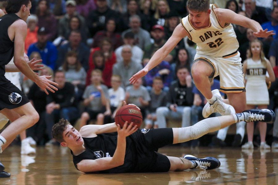 Boys+Basketball+clinches+berth+into+state+quarterfinals